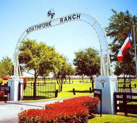 Soap opera dallas 4 vecchi in america for Rimodernato ranch di entrata del ranch