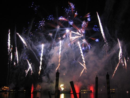 epcot-fireworks-show
