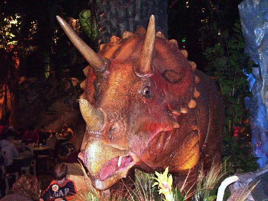 mama-triceratops