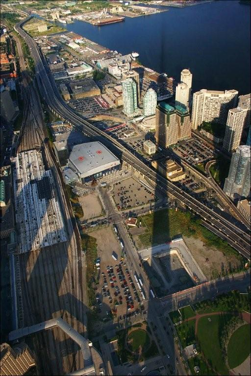 cn_tower_shadow