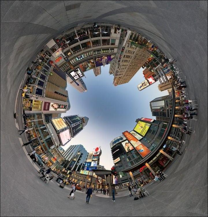 Dundas_Square_Pano_Fisheye_tunnel_crop