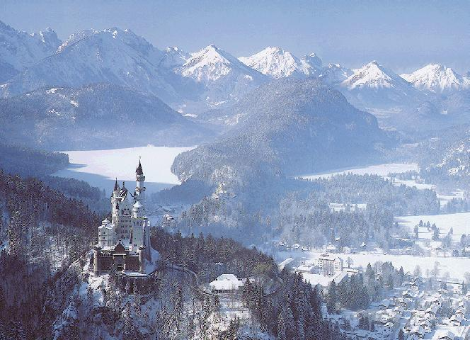 neuschwanstein_castle_in_winter
