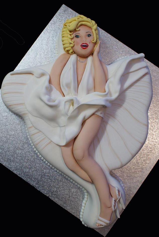 Marilyn_Monroe_Cake_by_Verusca