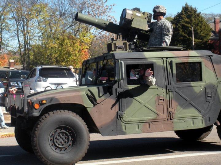 La parata nel giorno dei veterani in usa 4 vecchi in america - Papaveri e veterani giorno di papaveri e veterani ...